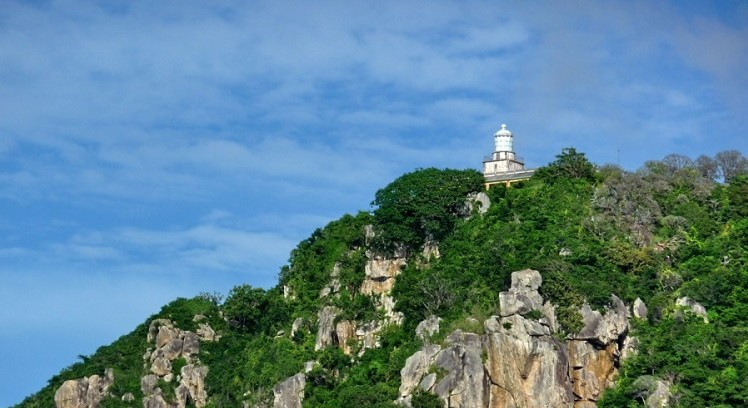 Bay-Canh-island-where-to-go-next-con-son-vietnam-travel-guide-tourist-attractions-news