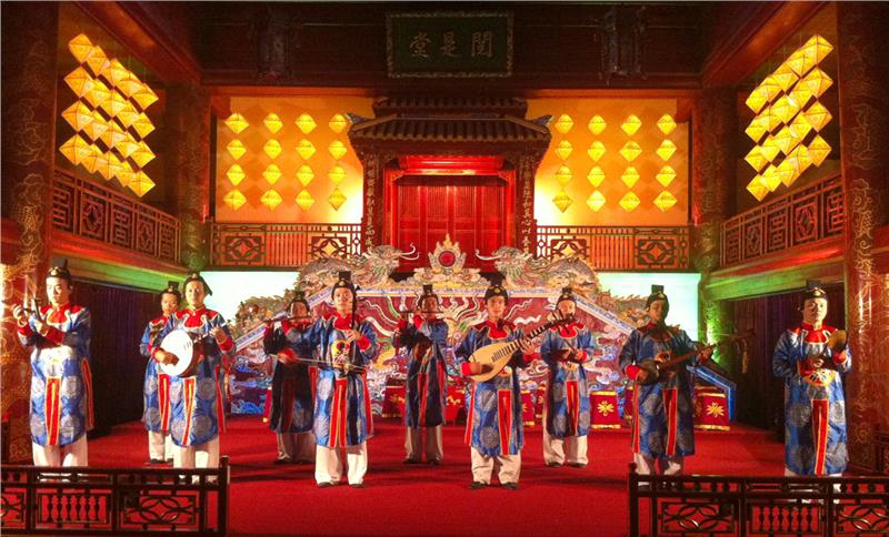 Hoi-An-Traditional-Art-Performance-Theatre2