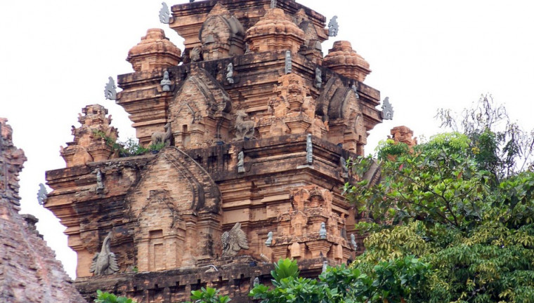 Po-Nagar-Cham-Towers-nha-trang-vietnam-guide-maps-review-address-opening-hours-nha-trang-tourist-attractions-things-to-do-4-760x432